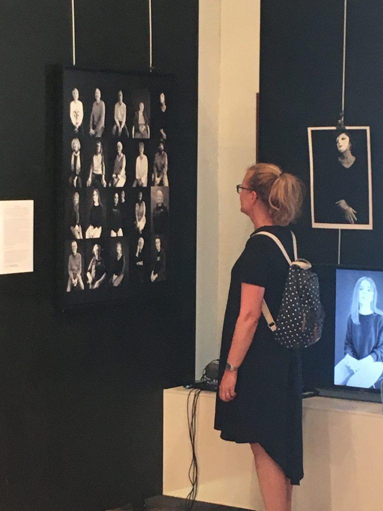 Exposition #LIfe , Accrochage,Pornic, Chapelle de l'hôpital,Fabienne Alliou lucas, projet photographique #Love Pornic 2019, chapelle de l'hôpital